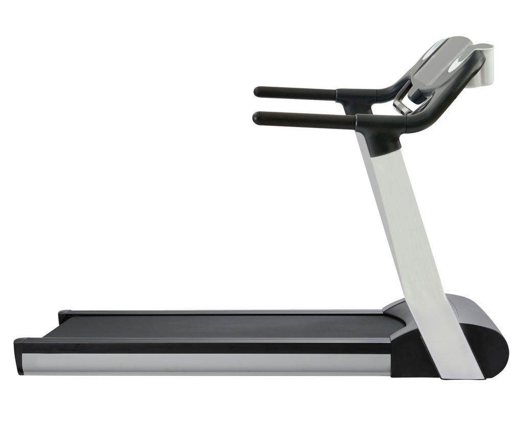 treadmill isolated on white PS9XXG4 1024x825